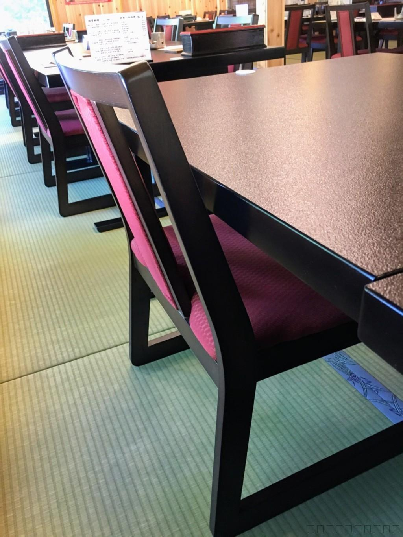 長野県上田市の松茸小屋「二幸園」椅子