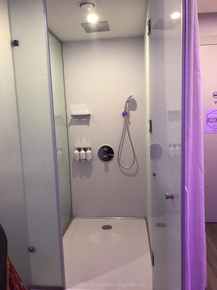ホテル内シャワー