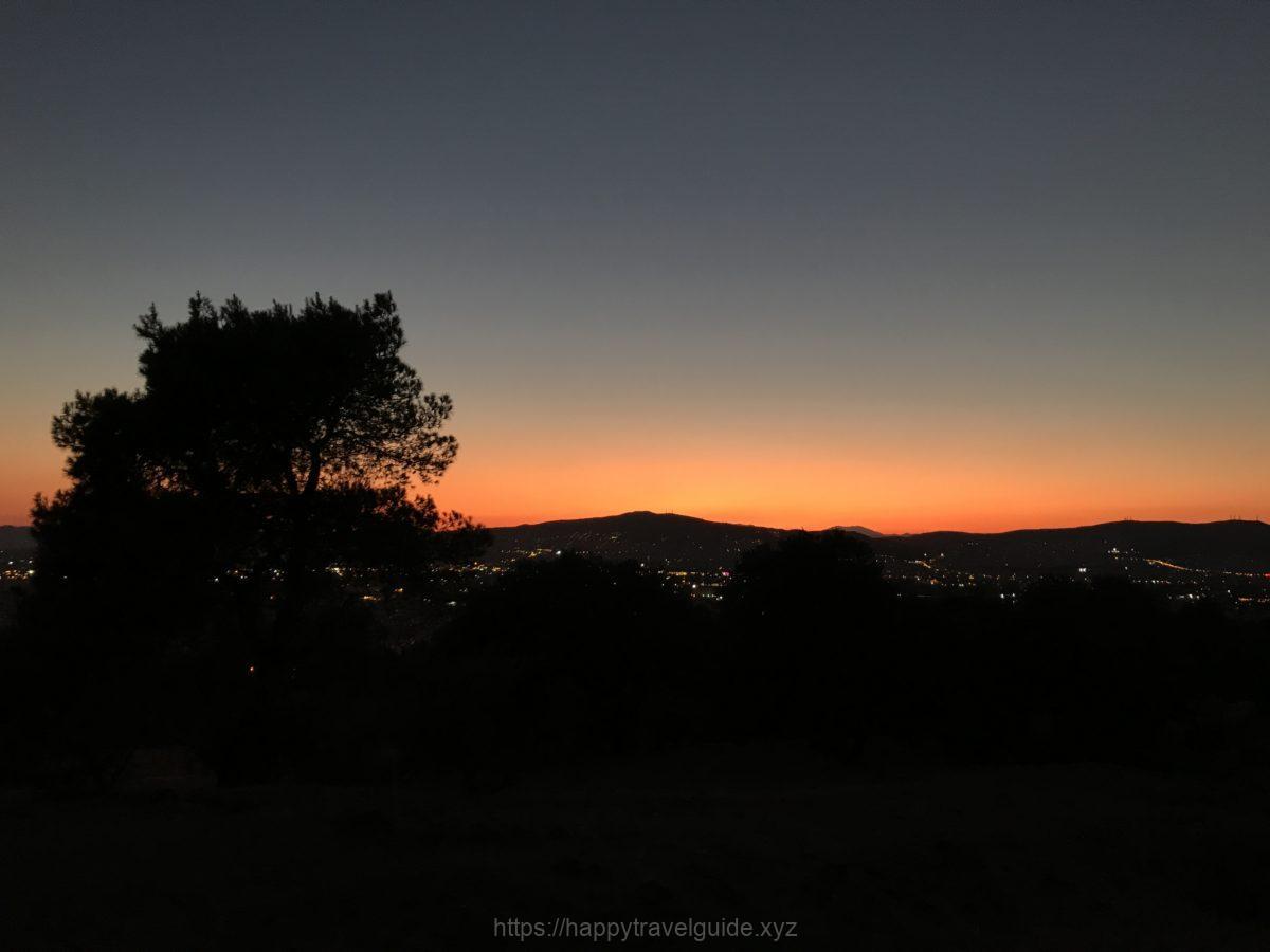 フィロパポスの丘からアクロポリスを眺める
