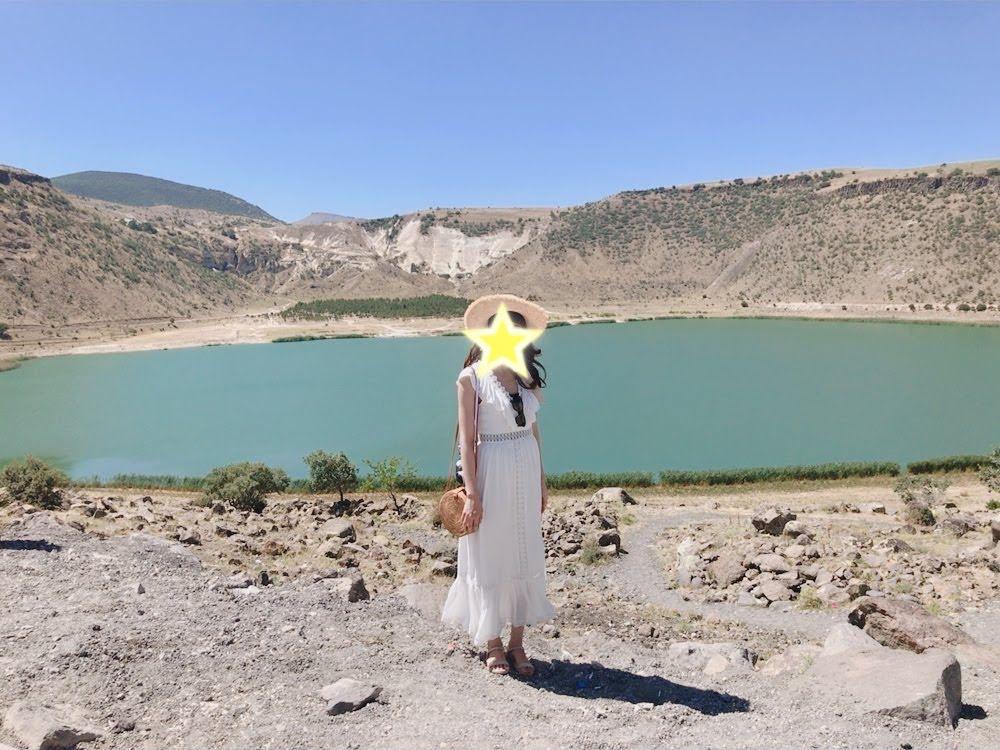 ナルリゴルの火山噴火口湖(Narli Gol)