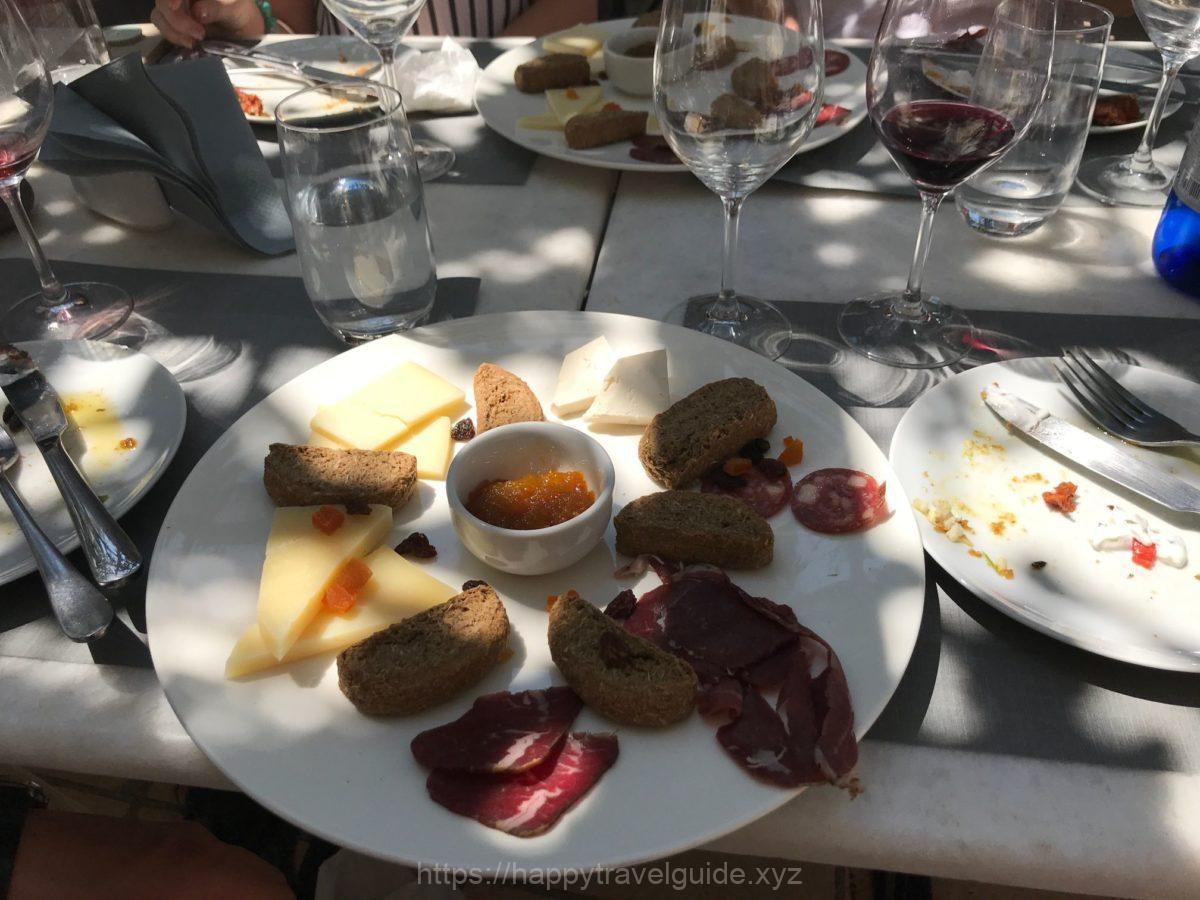 ワイン&軽食タイム